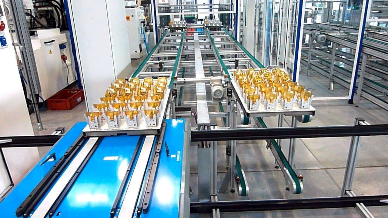 Werkstückträger Transport Roboter